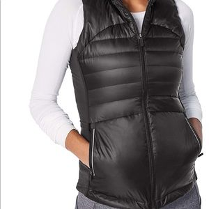 Lululemon Down for a Run black Puffer Vest